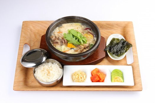 牛筋と季節野菜の食べるスープ