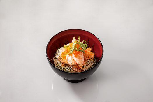 炙りトロサーモン丼
